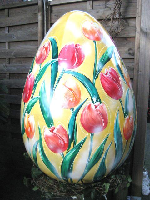 Ei mit Tulpen, Höhe ca.100cm, Breite ca. 60cm