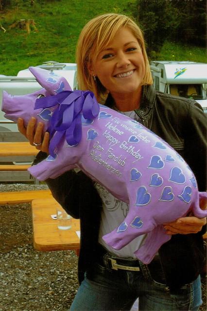 Helene Fischer mit Sparschwein