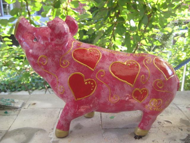 Grosses Hummel-Schwein ohne Flügel zur Hochzeit