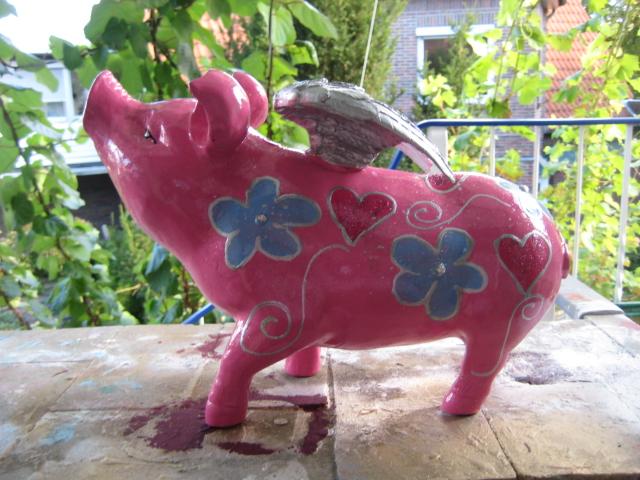 Grosses Humme-Schwein mit Blpüten und Herzen, Silberkontur und Glimmer