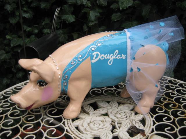 Sparschwein für Parfümerie Douglas Deutschland GmbH