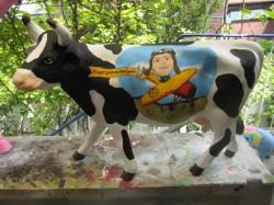 Große Kuehe, handbemalte Kuh